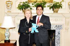 Secy Clinton and J. Villarreal and something that looks like Gumby, July 1, 2009