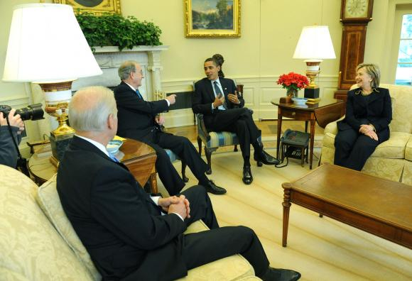President-Obama-meets-with-Biden-Clinton-and-Mitichell-in-Washington