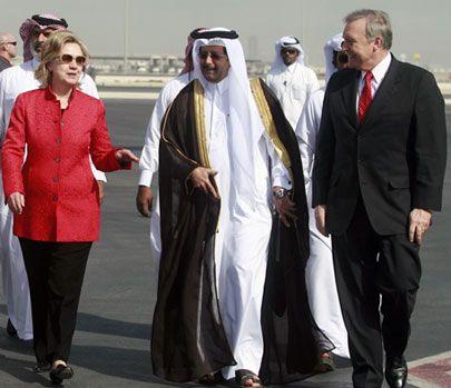 100214_clinton_qatarairport_405_1-1.jpg